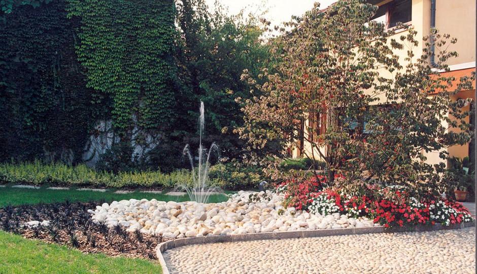 Giardini con fontana - Milano