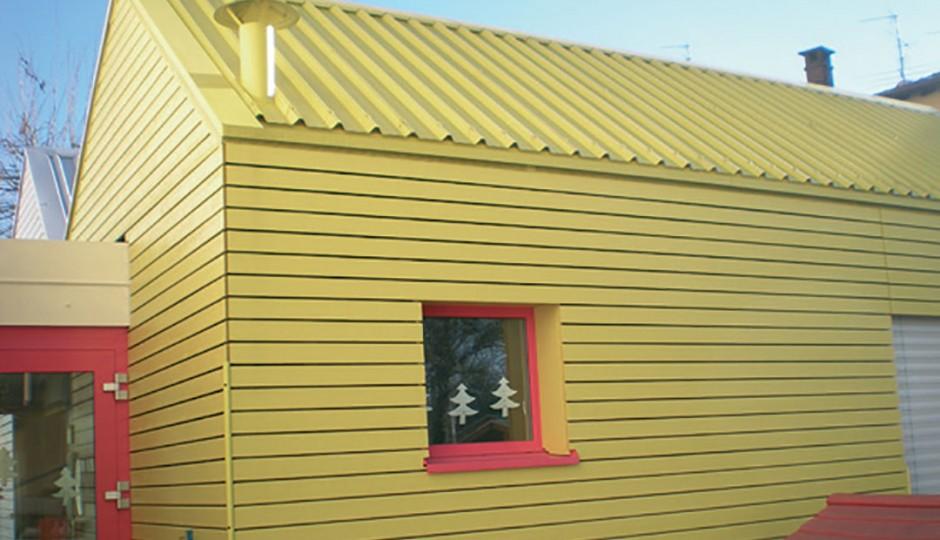 Scuola materna in legno e lattoneria
