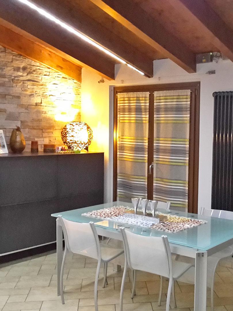 Impariamo a scegliere le tende per interni domo specialist for Arredo casa tende