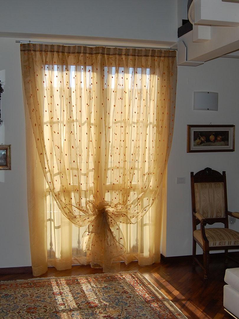 Tende d 39 arredo e tecniche domo specialist for Arredo casa tende