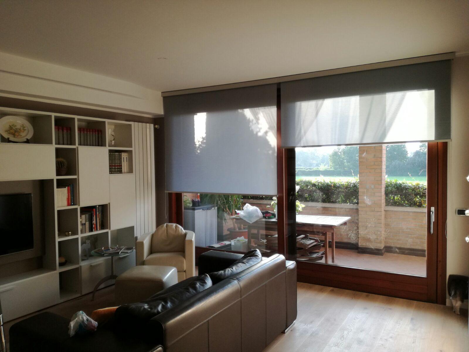 Impariamo a scegliere le tende per interni domo specialist for Veneziane da interno
